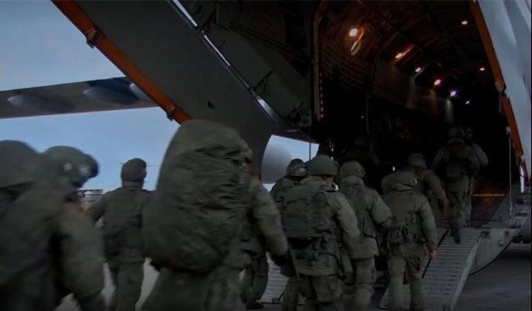 pervye-vosem-samoletov-s-rossijskimi-mirotvorcami-vyleteli-v-karabah