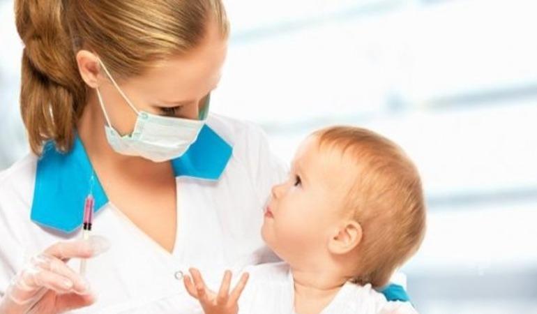 Almanya'da çocuklara aşı konusu